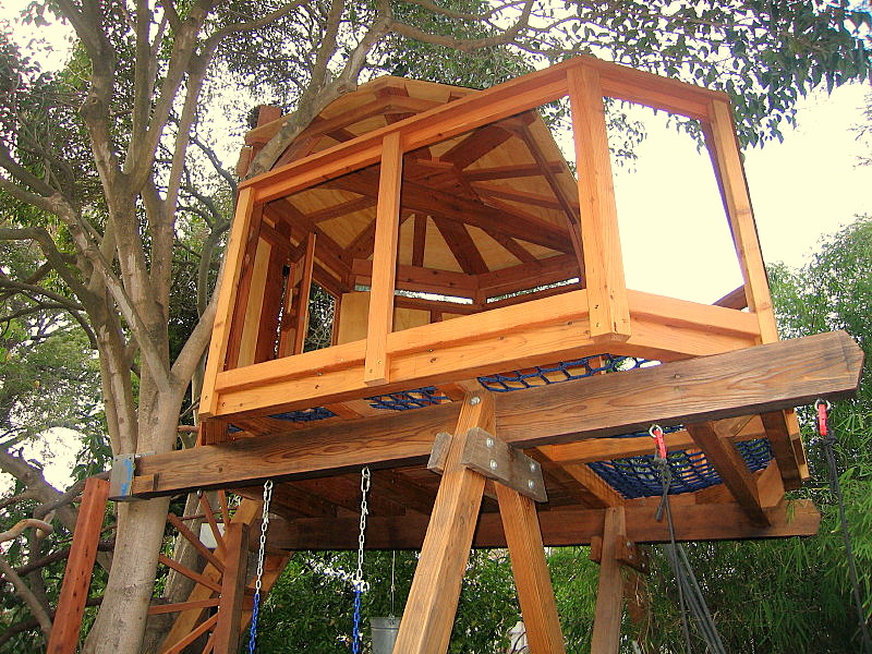 Tree yurt treehouse, view 5