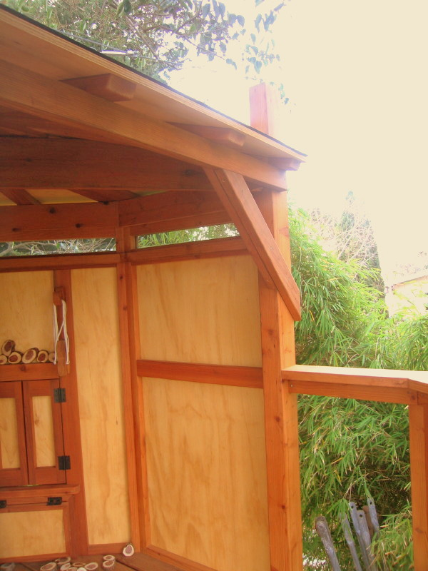 Kate treehouse redwood right side