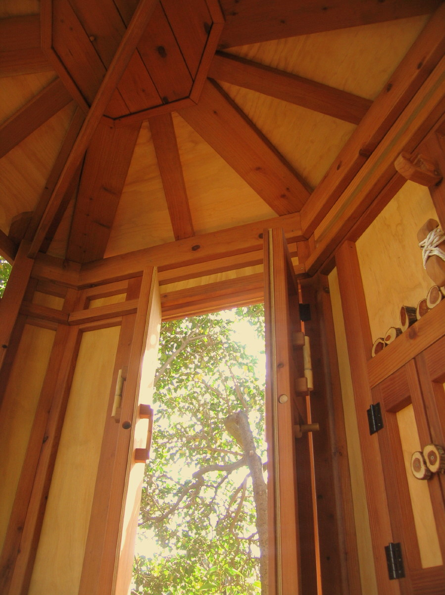 Tree yurt treehouse, view 15