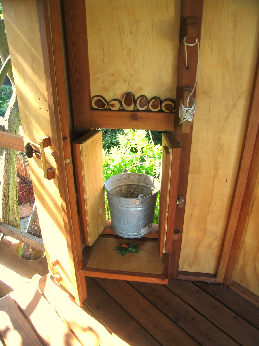 Tree yurt treehouse, view 25